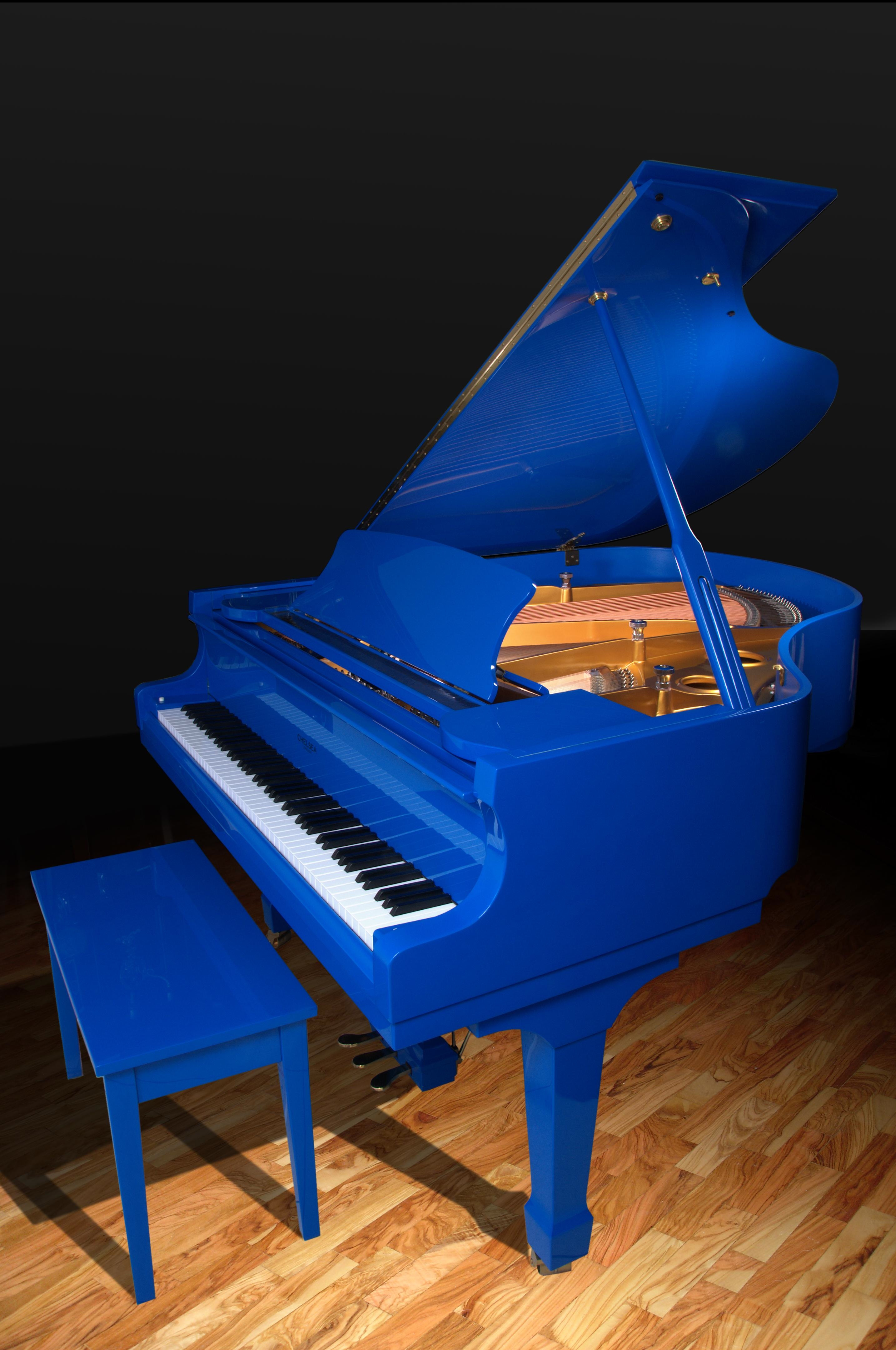 New blue chelsea london 168 grand piano chelsea pianos for Royal pianos